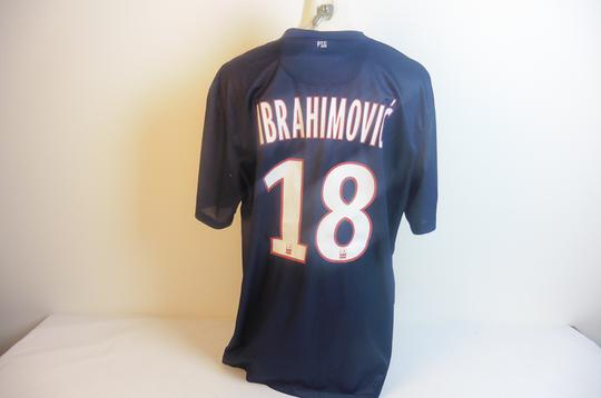 Maillot du PSG Ligue 1, 80 ans, signé par Ibrahimovic - Photo 4