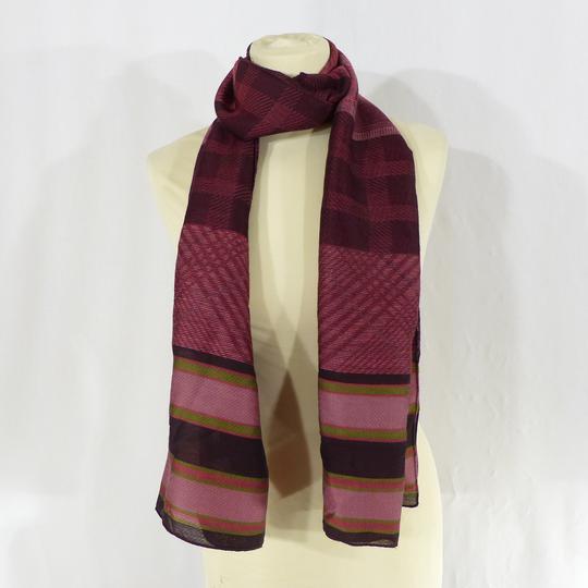 Écharpe bordeaux en laine, viscose et soie sur Label Emmaüs ... 2bf33795baf