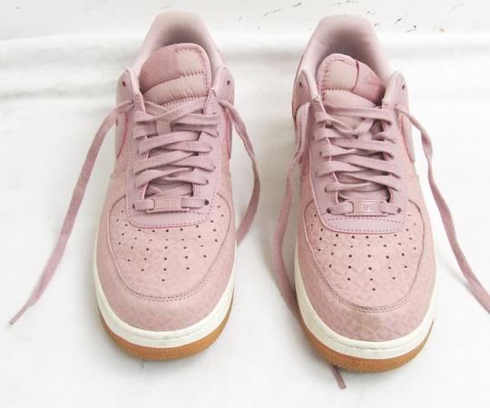 Paire de baskets tendance NIKE AIR FORCE 1 P.42 Femme