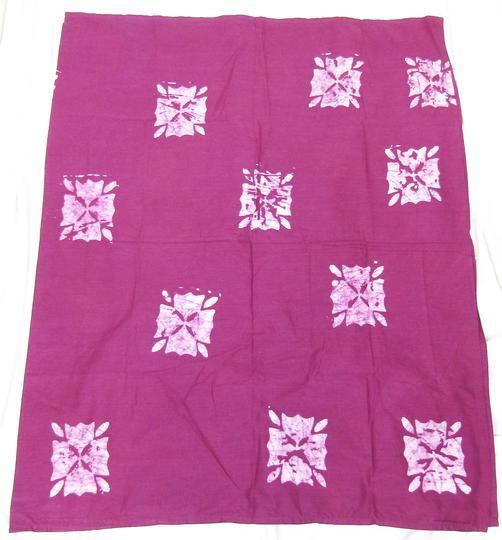 Drap de plage violet à motif 4 pétales sur Label Emmaüs, boutique en ... 8666e49ea13b