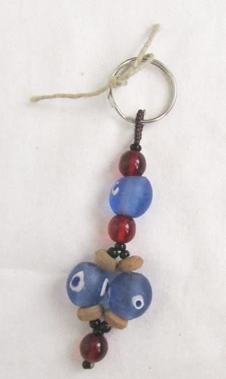 aa9786dd2760 Porte-clé artisanal grosse perle sur Label Emmaüs, boutique en ligne ...