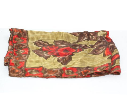 Foulard en soie. sur Label Emmaüs, boutique en ligne solidaire 1ce436d8f96